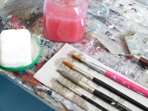 Kennen Sie auch schon diesen Trick? – Hausmittel  entfernt Acrylfarbe von Pinsel & Co…